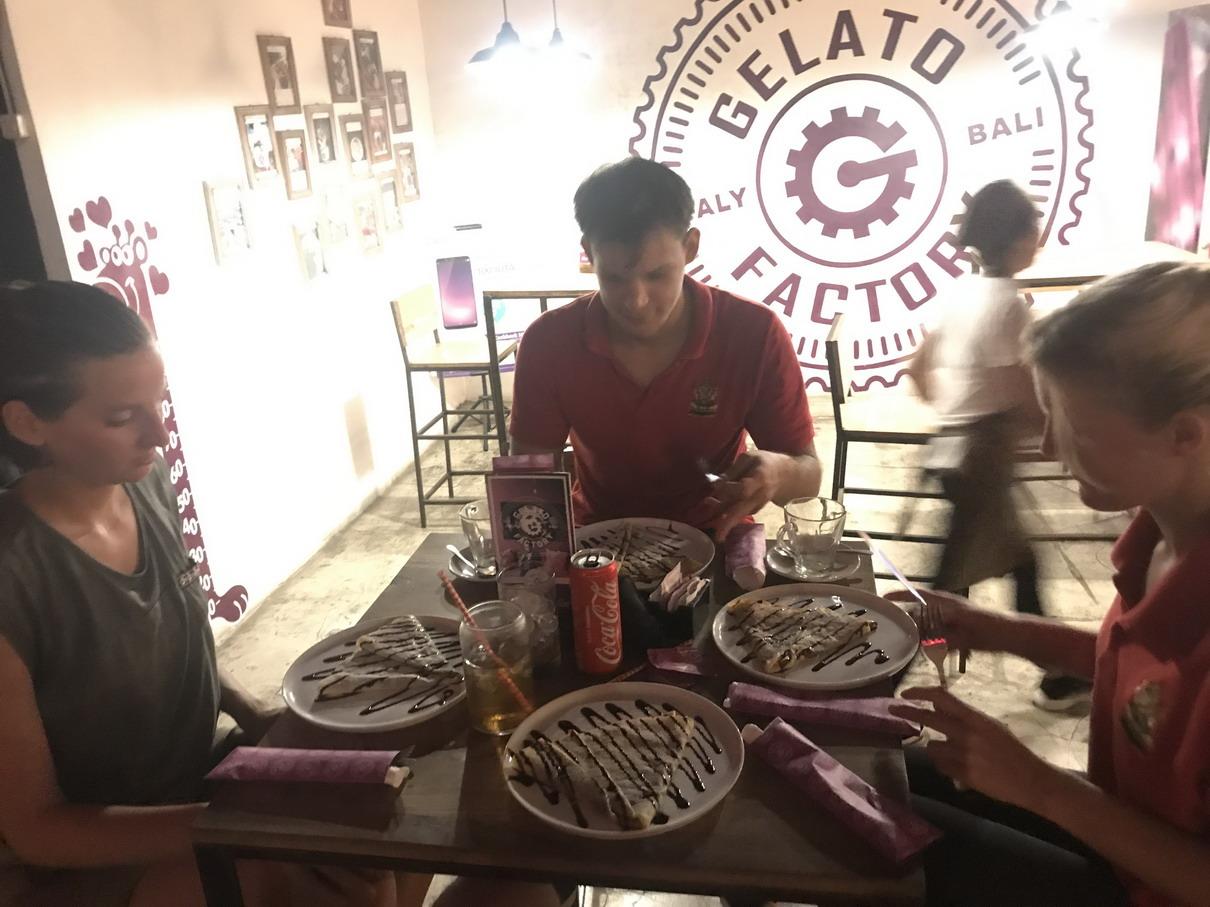 Bali Mikulás Kocogás palacsinta party